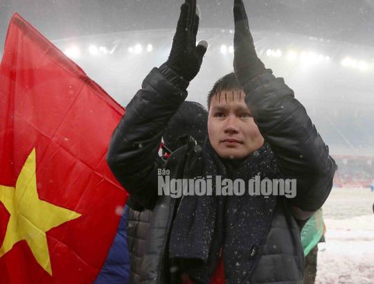 Vẫn xúc cảm với video clip về U23 Việt Nam lồng nhạc Nhật - Ảnh 3.