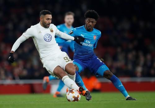 Thua trận sân nhà, Arsenal may mắn đi tiếp ở Europa League - Ảnh 3.