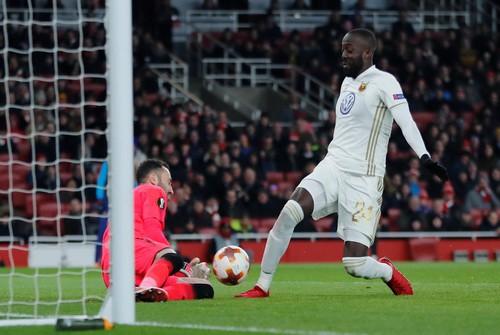 Thua trận sân nhà, Arsenal may mắn đi tiếp ở Europa League - Ảnh 5.