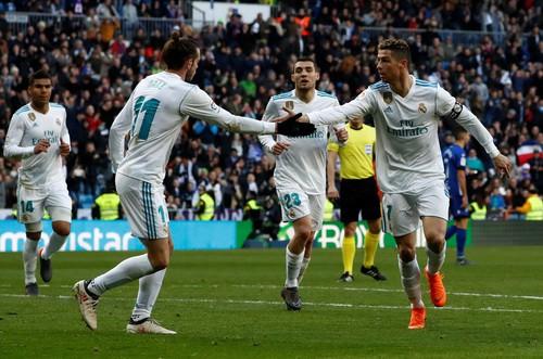 Ronaldo chờ thử sân đá chung kết Champions League - Ảnh 6.