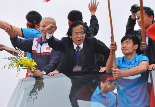 Ông Nguyễn Lân Trung ngại nói về cơ hội trúng cử phó chủ tịch VFF - Ảnh 1.
