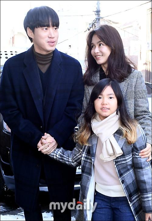 Sao Hàn Quốc tụ hội mừng đám cưới Taeyang (Big Bang) - Ảnh 11.