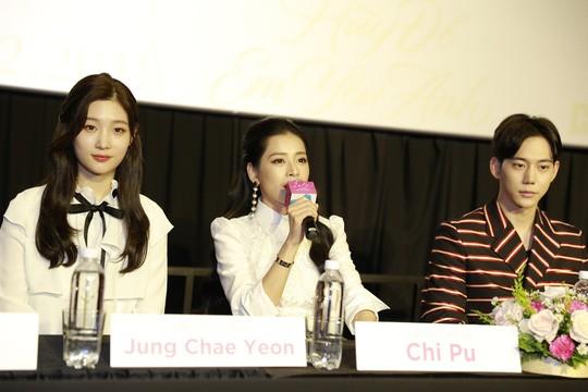 Sao Việt háo hức hợp tác cùng diễn viên ngoại - Ảnh 2.