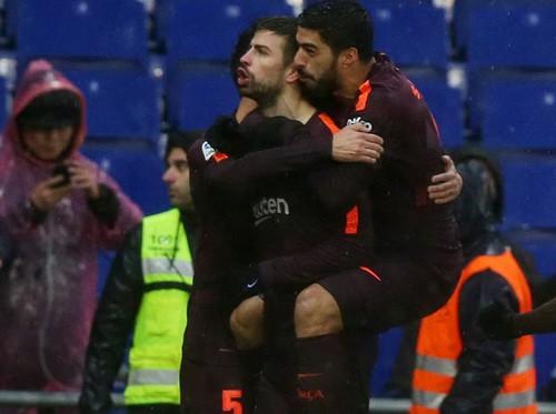 Hòa derby thủy chiến, Barcelona thoát hiểm tại Espanyol - Ảnh 6.
