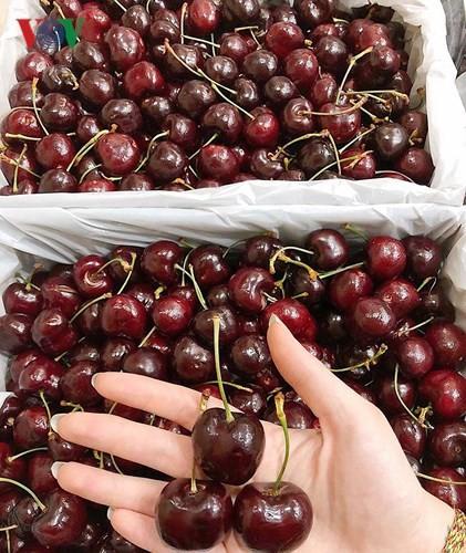 Loạn giá cherry nhập ngoại ngày cận Tết - Ảnh 10.