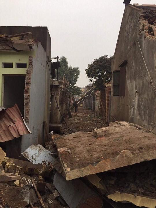 Bắc Ninh: Nổ lớn vùi lấp 5 ngôi nhà, 9 người thương vong - Ảnh 2.