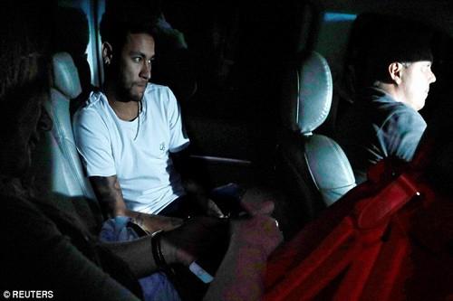 Neymar nhớ nhà, Barcelona chuẩn bị núi tiền đón cố nhân - Ảnh 2.