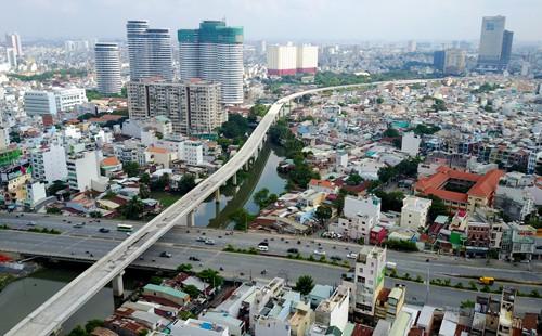 Giá đất quanh các ga metro Sài Gòn đua nhau leo thang - Ảnh 1.
