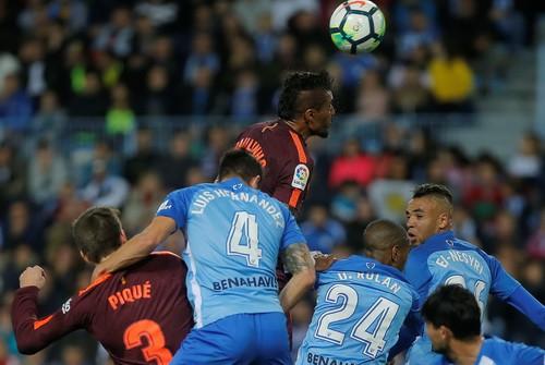 Barcelona đại phá sân La Rosaleda, vững ngôi đầu La Liga - Ảnh 5.