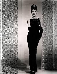 Thương tiếc nhà thiết kế lẫy lừng nước Pháp Givenchy - Ảnh 2.