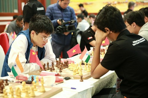 Thua sốc Anh Khôi, Lê Quang Liêm suýt rơi Top siêu đại kiện tướng - Ảnh 7.