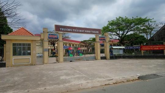 Vụ cô giáo quỳ xin lỗi: Công an mời ông Võ Hòa Thuận làm việc - Ảnh 1.