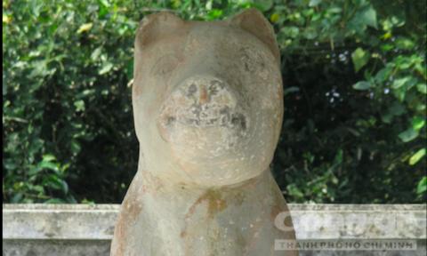 Tượng 'thần cẩu' trong 1 ngôi làng ở Huế có gì kỳ bí? - Ảnh 2.