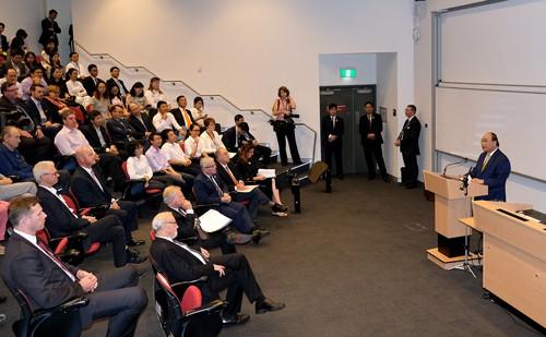Thủ tướng Nguyễn Xuân Phúc bắt đầu thăm Úc - Ảnh 1.