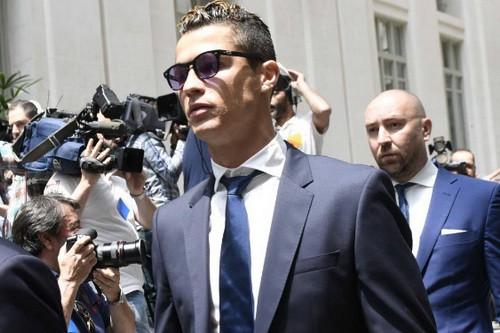 Ronaldo vung tiền nộp phạt, chạy án tù cáo buộc trốn thuế - Ảnh 2.