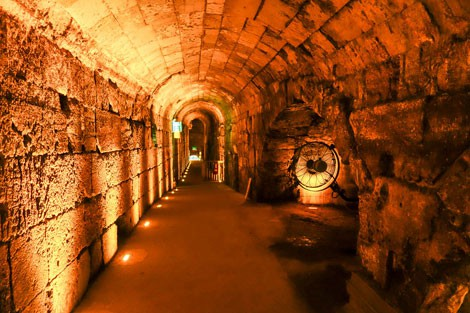 Những thành phố ngầm nổi tiếng thế giới - Ảnh 2.