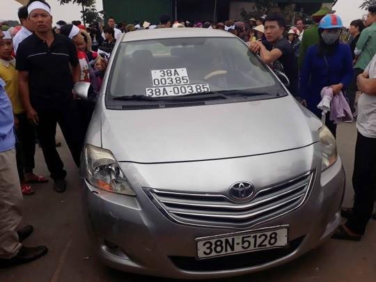 Thượng úy công an lái xe ô tô biển giả, va chạm chết người bị phạt gần 11 triệu đồng - Ảnh 1.