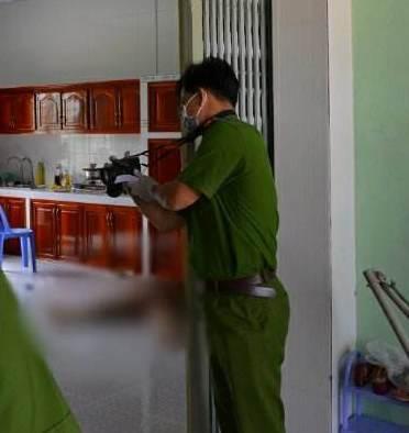 Xác định được nghi phạm sát hại bà bán thịt heo bằng 14 nhát dao - Ảnh 1.