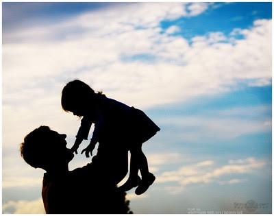 Có thực con gái là khoản đầu tư lỗ của bố mẹ? - Ảnh 1.