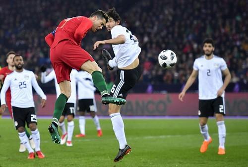 Ronaldo so tài Salah, Bồ Đào Nha hạ Ai Cập phút bù giờ - Ảnh 2.