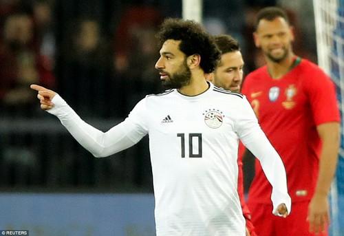 Ronaldo so tài Salah, Bồ Đào Nha hạ Ai Cập phút bù giờ - Ảnh 1.