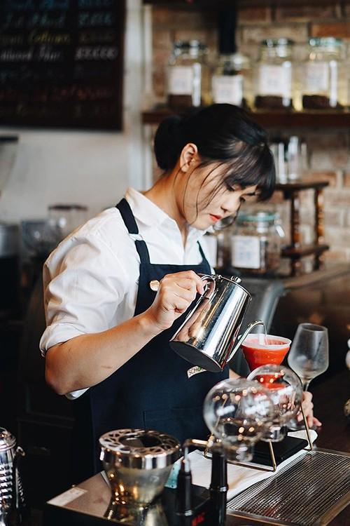 5 địa chỉ cho người thích uống cà phê vào sáng sớm ở Sài Gòn - Ảnh 8.