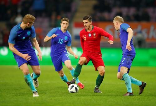 Cựu sao M.U rực sáng, Hà Lan hạ gục nhà vô địch Euro - Ảnh 1.