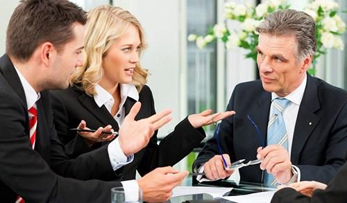 5 việc cần làm khi sếp thường xuyên bốc hỏa với bạn - Ảnh 3.