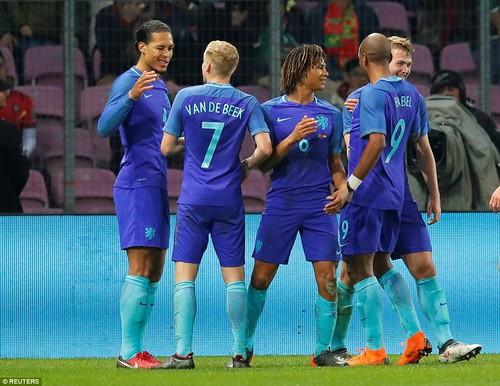 Cựu sao M.U rực sáng, Hà Lan hạ gục nhà vô địch Euro - Ảnh 5.