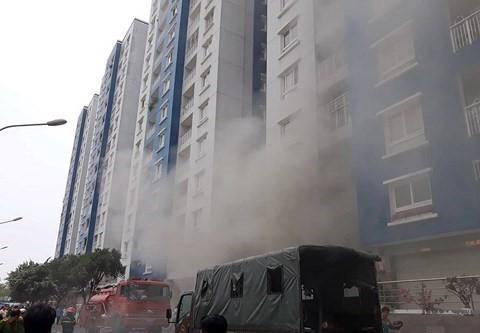 Vụ cháy Carina Plaza: Lời cảnh báo cho cư dân nhà phố hay chung cư - Ảnh 1.