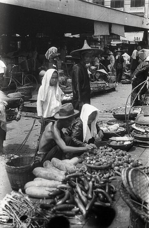 Chợ Bến Thành hơn 90 năm trước, khi xe máy chưa xuất hiện - Ảnh 8.