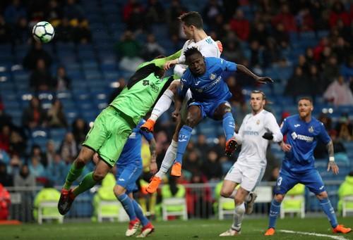 Ronaldo bỏ lỡ hat-trick, Real Madrid hạ đồ tể Getafe - Ảnh 4.