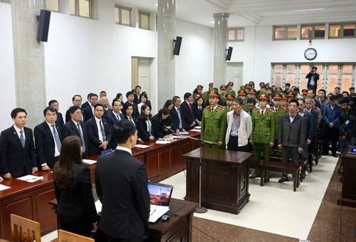 Tuyên phạt bị cáo Đinh La Thăng 13 năm tù - Ảnh 1.