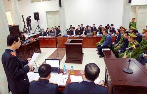 Xét xử vụ án xảy ra tại PVN và PVC: Các bị cáo khai làm theo chỉ đạo của cấp trên - Ảnh 1.