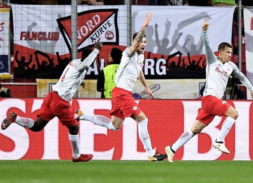 Bò đỏ Salzburg đại náo Europa League, Arsenal thoát hiểm thần kỳ - Ảnh 3.