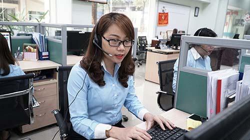 Ngành điện miền Nam: Tăng cường chăm sóc khách hàng mùa nắng nóng - Ảnh 1.