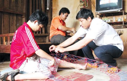 Đẩy mạnh giải quyết việc làm cho người khuyết tật - Ảnh 1.