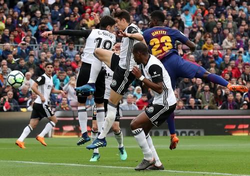 Chia tay sớm Champions League, Barcelona lập kỷ lục La Liga - Ảnh 4.