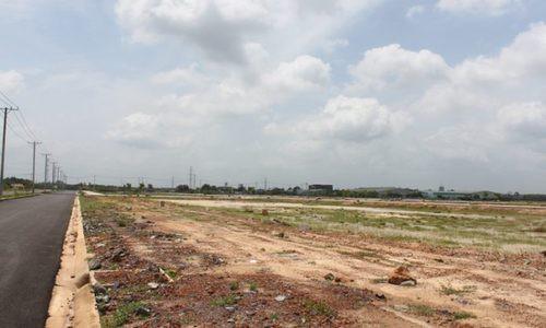 Mất toàn bộ khu đất vì mua phân lô bằng giấy viết tay - Ảnh 1.