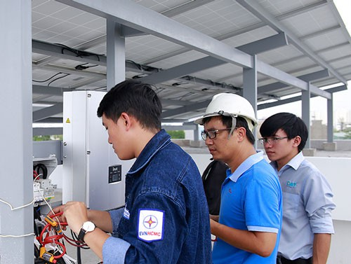 TP HCM có nhiều lợi thế phát triển điện mặt trời - Ảnh 1.