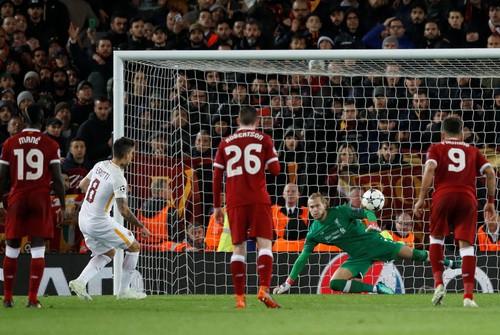 Salah đại phá cố nhân Roma, Liverpool chờ vé chung kết - Ảnh 8.