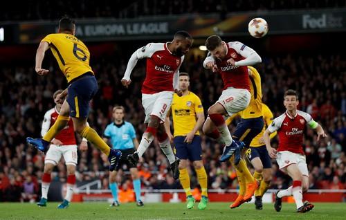 Đánh rơi chiến thắng trước Atletico, Arsenal khó mơ Europa League - Ảnh 1.