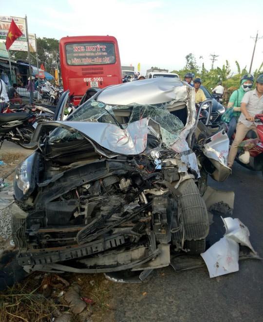 Tai nạn giao thông tăng mạnh trong ngày 30-4 làm 26 người chết - Ảnh 1.