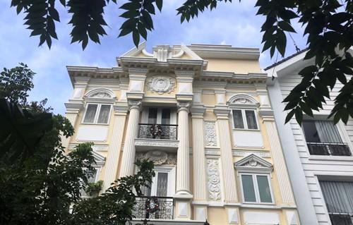 Biệt thự triệu đô đẹp như lâu đài của ca sĩ Minh Hằng - Ảnh 1.