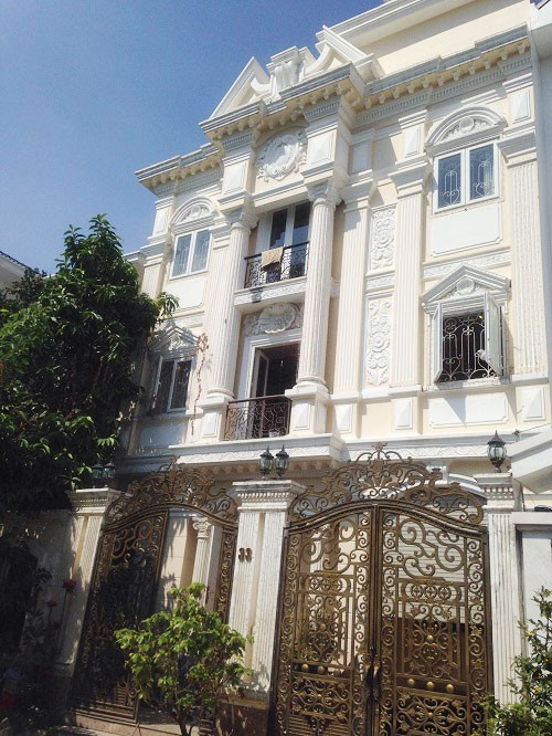 Biệt thự triệu đô đẹp như lâu đài của ca sĩ Minh Hằng - Ảnh 2.
