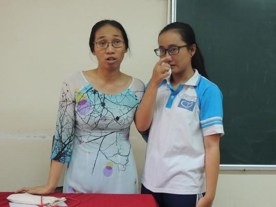 Cô giáo im lặng trong giờ giảng: UBND TP chỉ đạo chuyển trường cho học sinh - Ảnh 1.