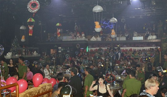 Một quán bar tại Cần Thơ liên tục phát hiện khách sử dụng ma tuý - Ảnh 1.