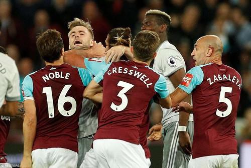 Chia điểm West Ham, Man United giành ngôi á quân Premier League - Ảnh 8.
