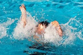 Xuống đập bắt ốc, 2 học sinh tiểu học đuối nước thương tâm - Ảnh 1.