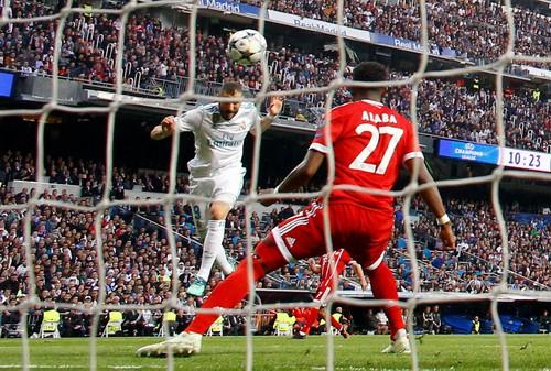 Người hùng Cuneyt Cakir trao vé chung kết cho Real Madrid - Ảnh 4.